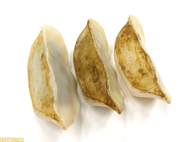【うまそう】餃子プラモ(半人前)が発売開始。精密な餃子3個を作って飾ろう
