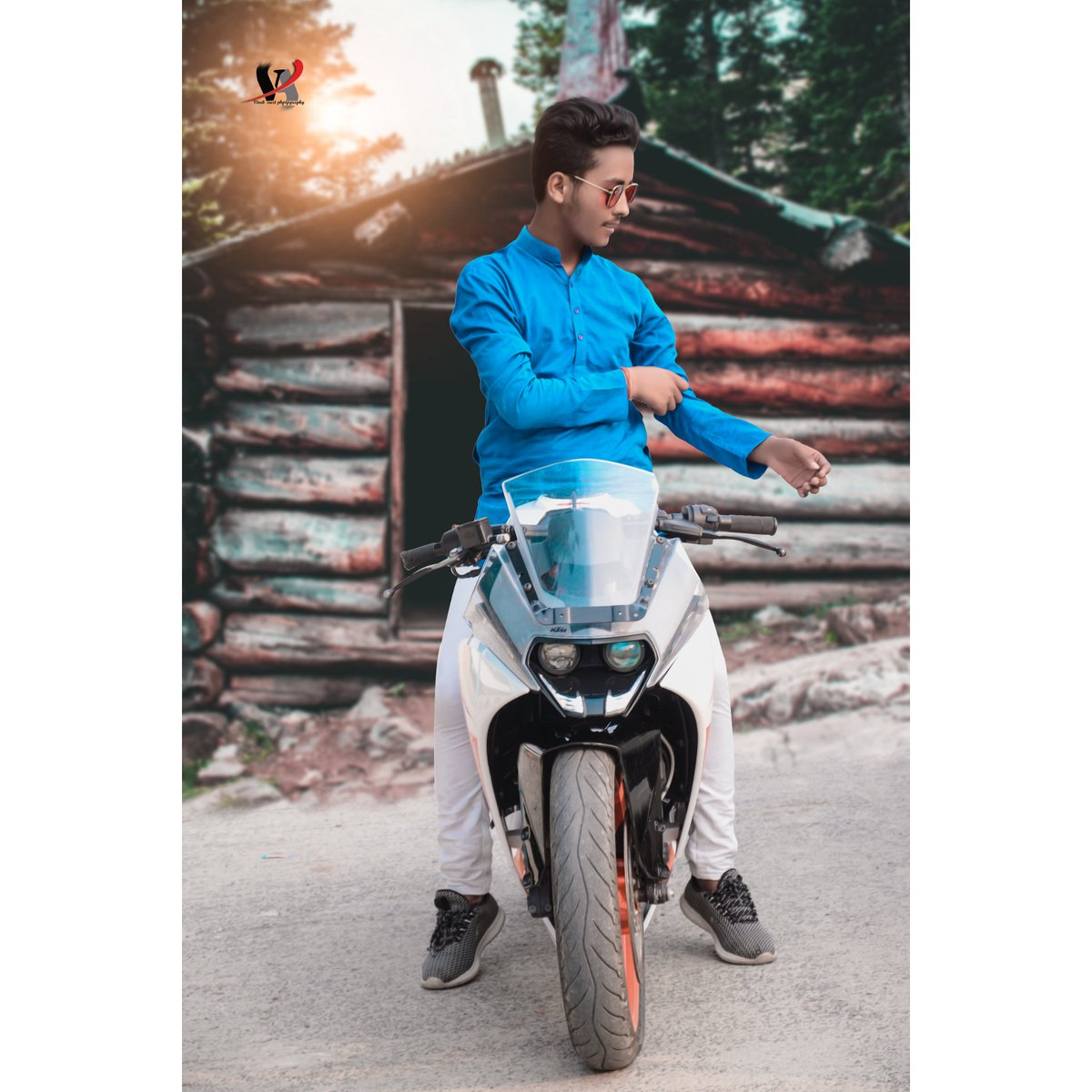 I don't give anyone👅           A region to hate me🙄 But👇         They create their own drama 😑😏 Out of #jealousy 😏😎😉  Nd thanx for this drop #Edit-: Vivek Aart do flow him  #model #desi #pose #hero #swag #ktm #ktmrc200 #bike #photoshoot #dslr #pose #desimodel #viral