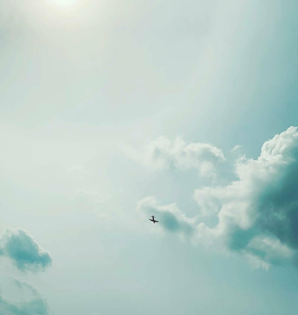 今日は時間が早い。#sky #イマソラ #cloud #plane #sun