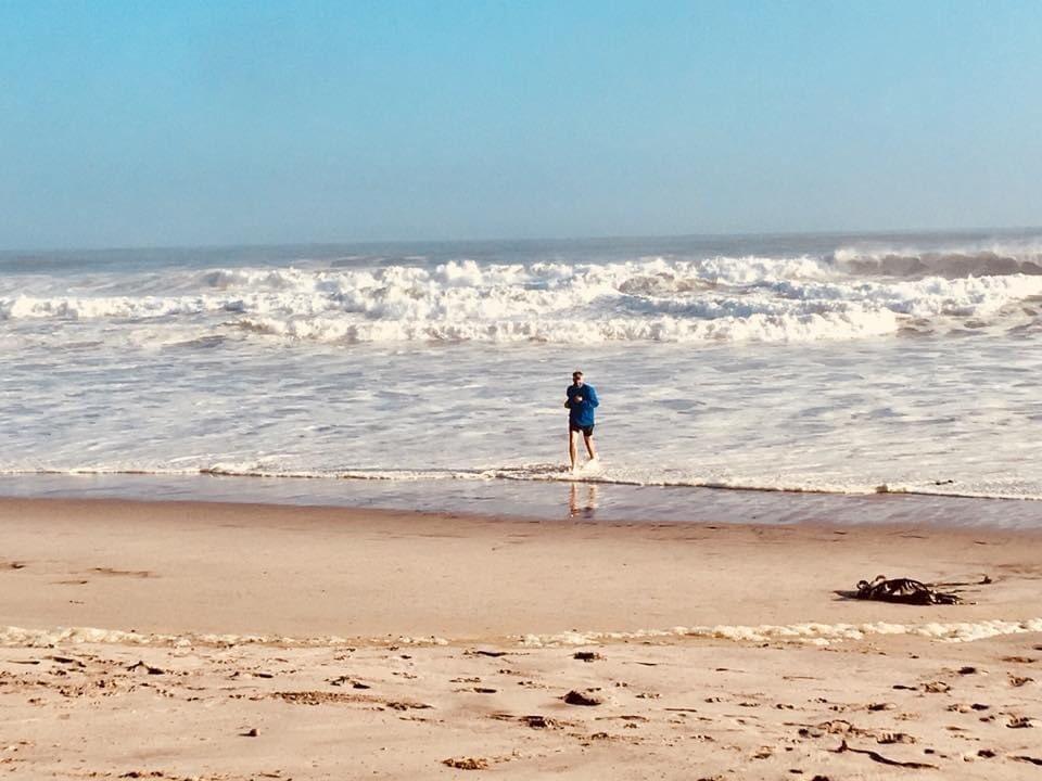 June 3rd, 2018 #throwback running out of the Atlantic Ocean, Henties Bay, Namibia to start my run across Africa 2,474miles. #running #adventure #run #runner #ukrunchat #africa #Namibia An amazing 98 adventure run. @UKRunChat @runnersworldza @TrailRunningMag #run1000miles #charity https://t.co/TurhsifwNx