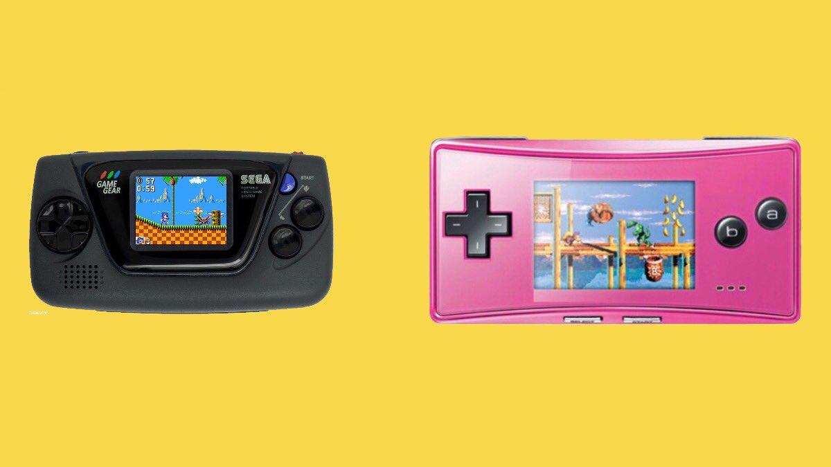 Le match Game Gear micro vs Game Boy micro (screen 1.15 inch vs 2 inches). L'écran de moins de 3cm, même le VMU Dreamcast est battu 🤓🔍