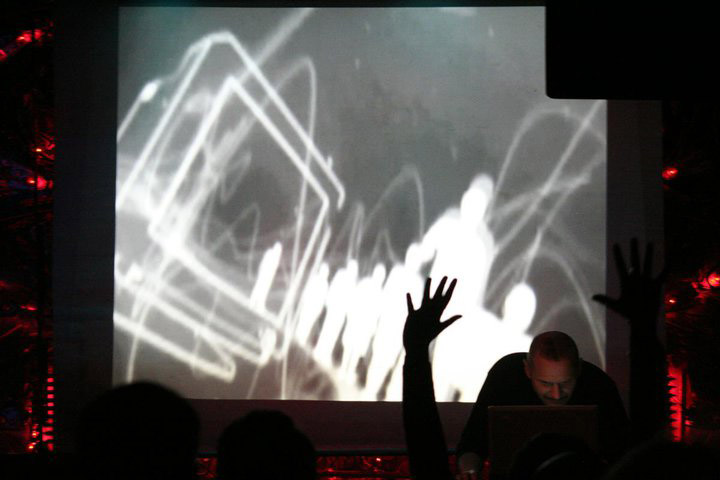 """Live at Cross Club - """"Underlying Scapes"""" #Prague, #Czechia  #industrial #ambient #contemporary #music #live #soudscape #composerpic.twitter.com/oLEVXyya62"""