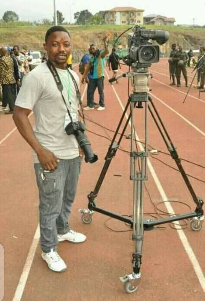 """Truly """"the pen is mightier than sword""""; if not why would African dictators like Biya, Buhari, Kagame, Alsisi...and their apprentices - Elrufai, Udom, Yeye Bello etc, be so petrified by people 'armed' only with pen, paper & camera?  Why are dictators so afraid of journalists? pic.twitter.com/Owm6LPKQi8"""