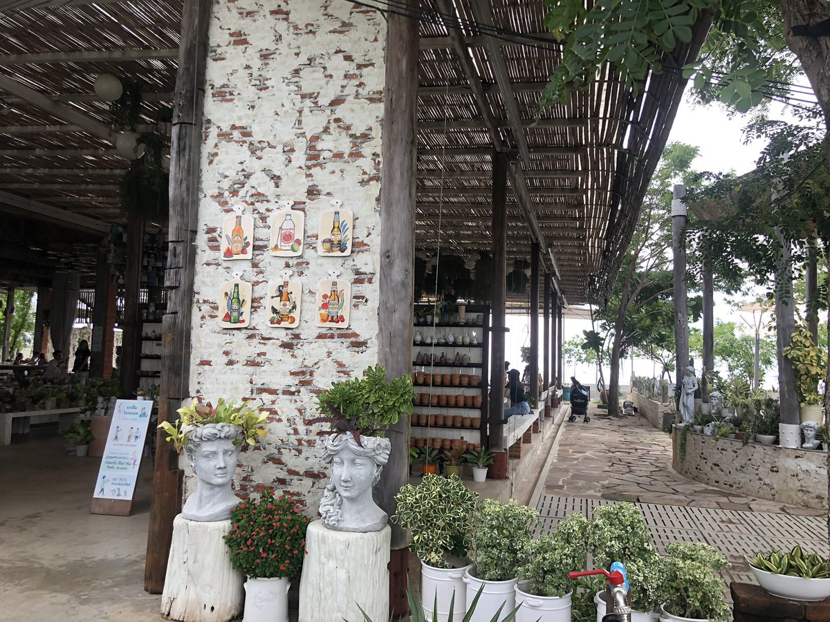 test ツイッターメディア - という事で、チャオプラヤーの河口にある、Afternoon Bangpu というお店に 途中、エラワン美術館の辺りはスコールだったけど、ここは大丈夫  海を見ながら、ちょっとリラックス たまにはご褒美かな また明日からがんばろう! https://t.co/dAyDUeh3zX