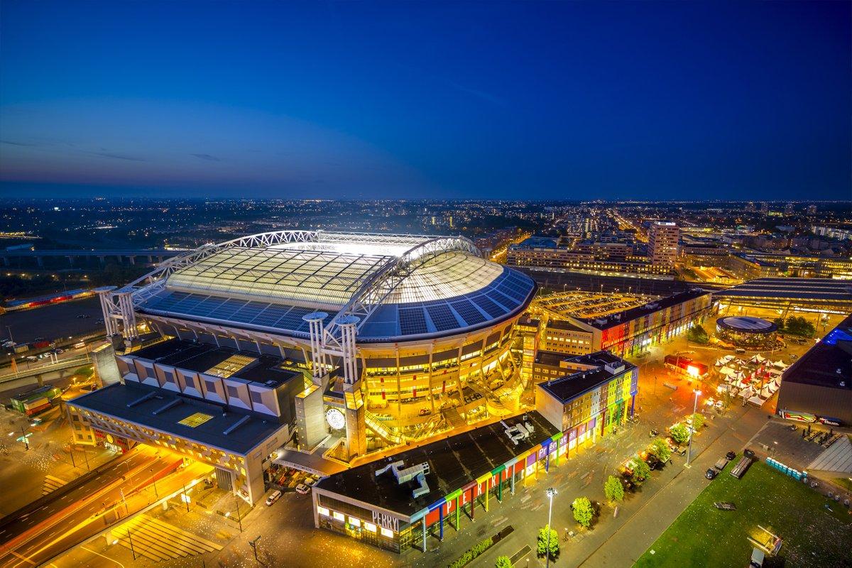 De Johan Cruijff ArenA en @KPMG breiden hun samenwerking met 5 jaar uit! 🤝  De overeenkomst is er o.a. op gericht de ArenA te versterken in haar innovatiekracht en stadions & steden wereldwijd slimmer en duurzamer te maken.💚 • Lees verder ➡ https://t.co/lqkwFvCLdF https://t.co/S4SlBJ7Vem