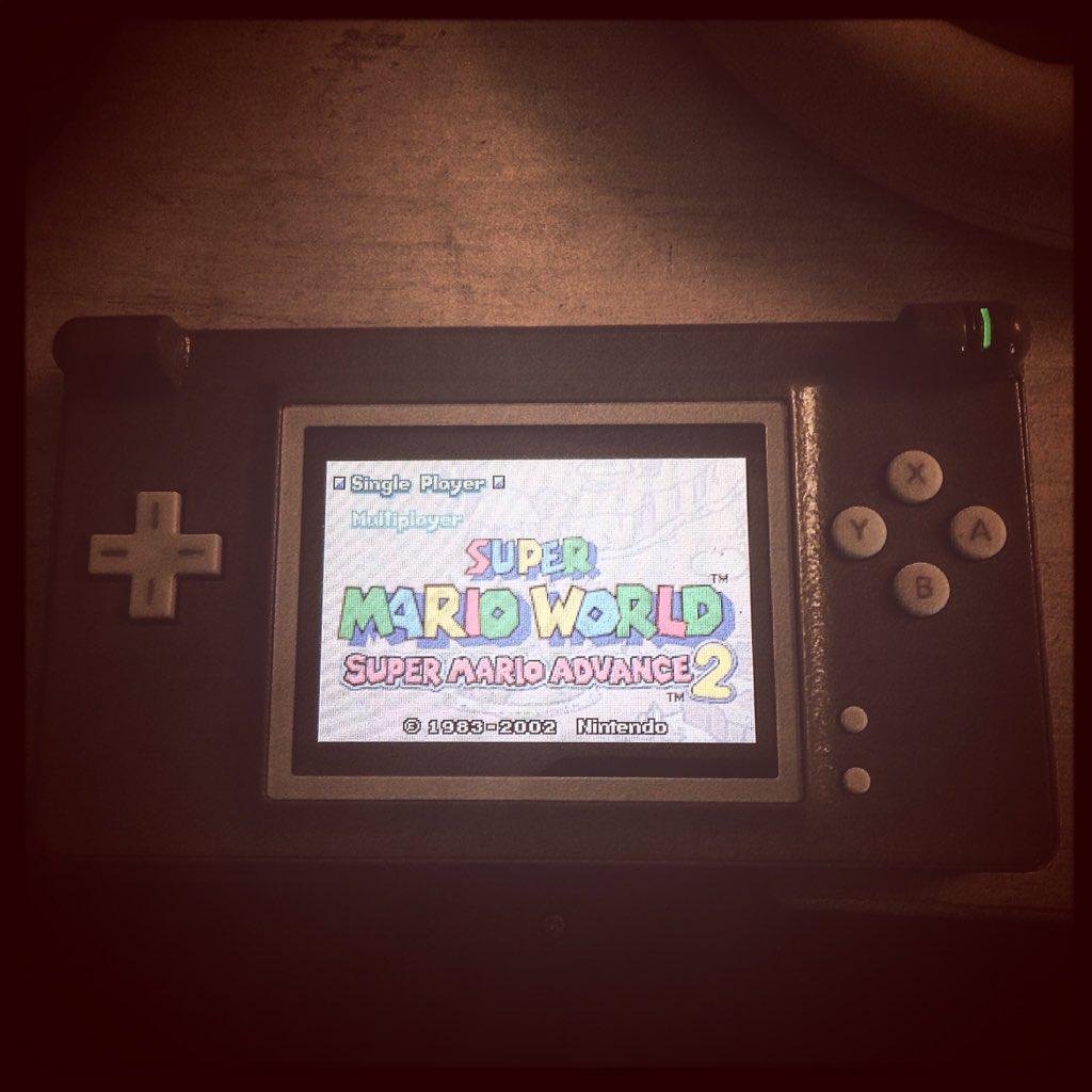 Mondi avanzati!  (Super Mario World - Super Mario Advance 2) #nintendo #gameboy #advance #homemade #mod #letsplay #player #gamer #play #playerinside #nerd #gamecollection #gamecollector #game #vintage #classic #retrogamingpic.twitter.com/8WV1EkdKgb