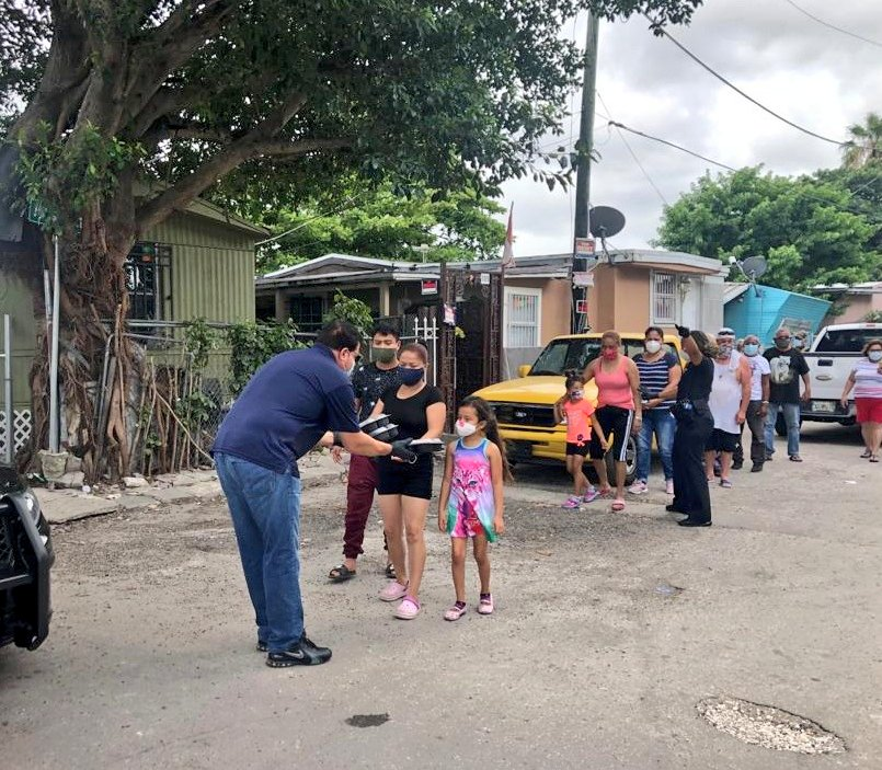 Efforts continue to ensure no child goes hungry in our community. Yesterday's food distribution took place in North Miami Beach, where we handed out 500 lunches purchased from Natura Eatery as well as other food items. #MDCPSWellness<br>http://pic.twitter.com/Mbzl8y4BmS
