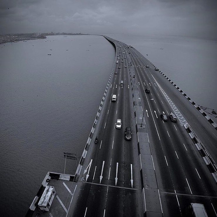 THIRD MAINLAND BRIDGE The 10.5km bridge is the second longest in Africa. It was constructed by Julius Berger and inaugurated in 1990 by Gen. Babangida. It took 14 years (1976-1990) for the construction of the bridge to be completed. #GeorgeFloyd #justiceforelizabeth #structure pic.twitter.com/59BqUQSvfs