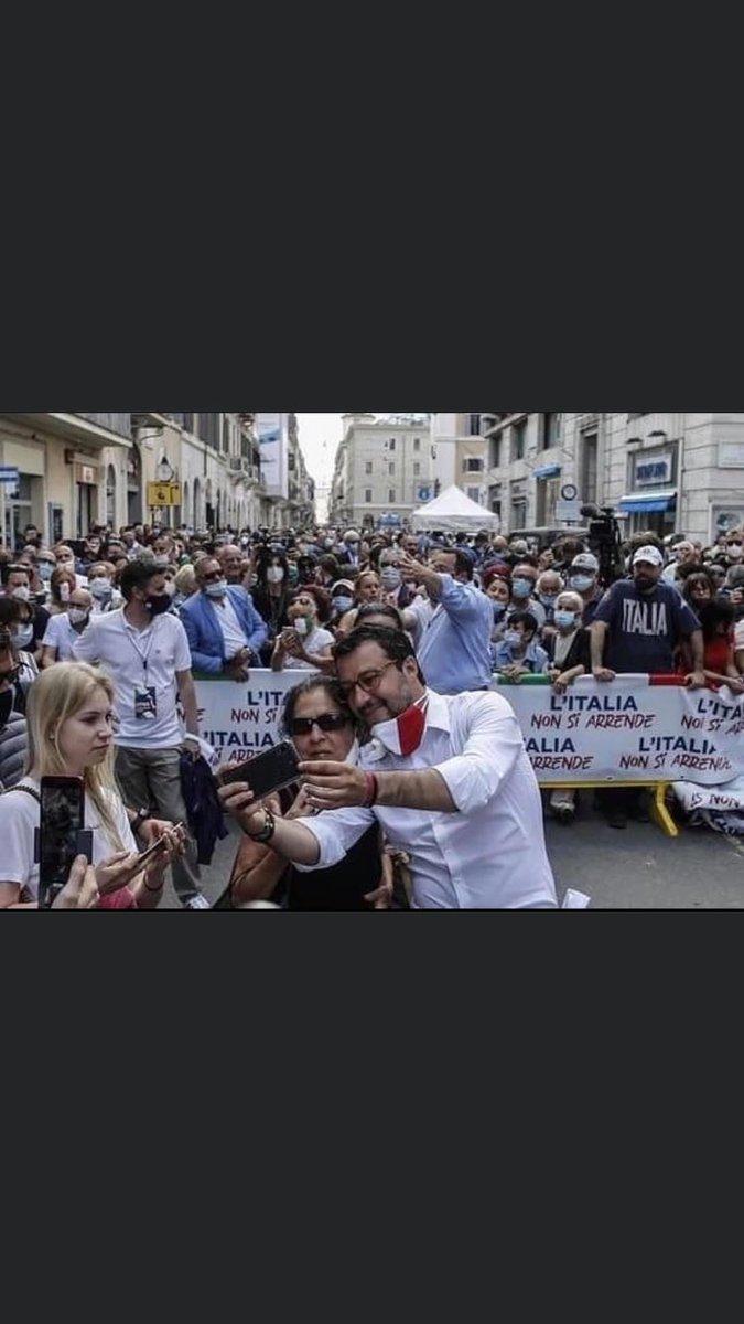 #Salvinivergognati