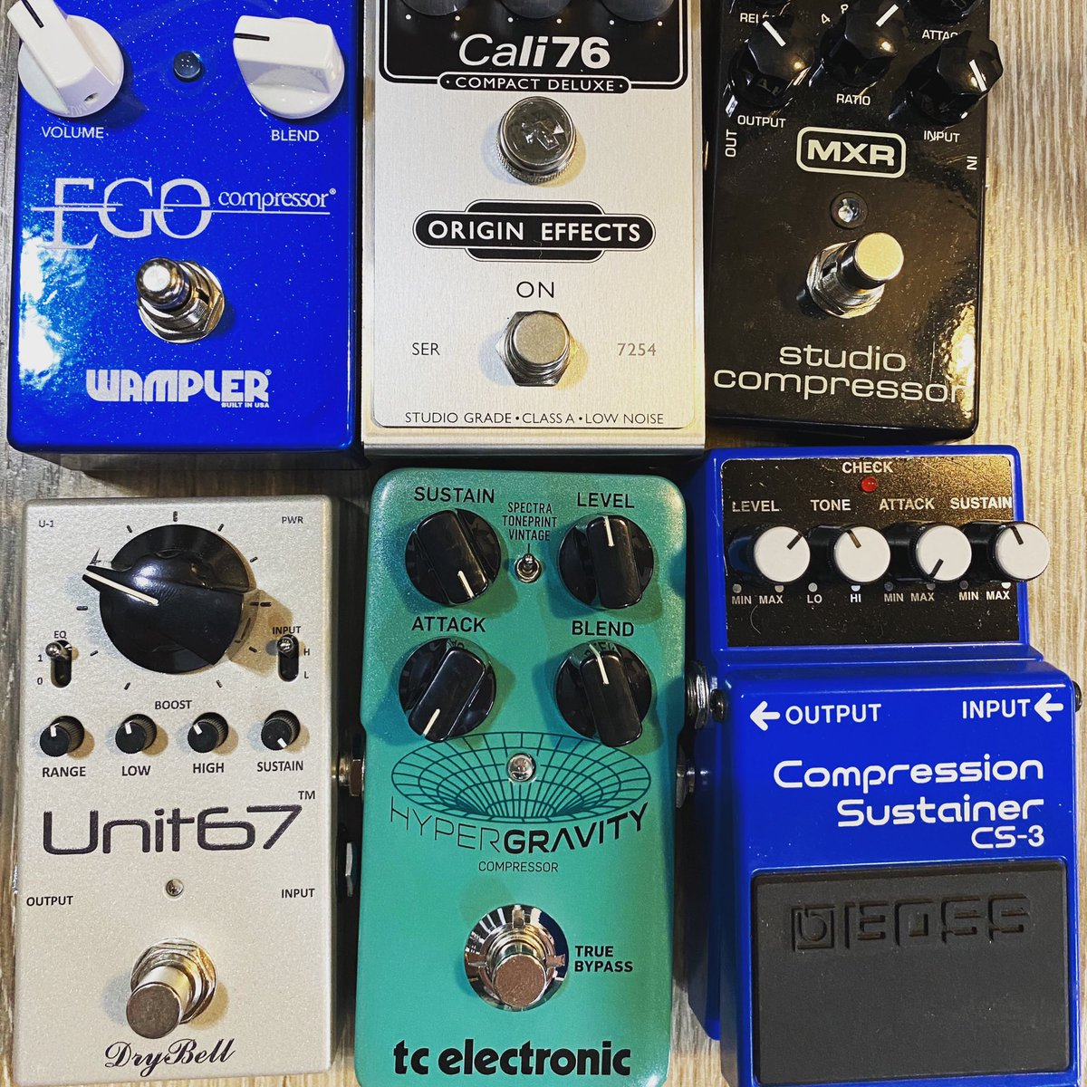 I've spent a couple of days this week squishing tones with a bunch of cool pedals...what's your favorite compressor?  #wamplerpedals #effectspedals #notpedalbored #knowyourtone #guitar #guitarpedals #gearybusey #guitareffects #chasingtone  #wampler #gearnerdspic.twitter.com/XXfK41M6Mf