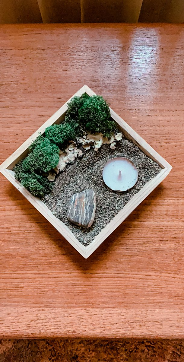 In this time of chaos I created a Zen Garden to help me feel calm  #sharelightandlove<br>http://pic.twitter.com/UDbFtstZBK