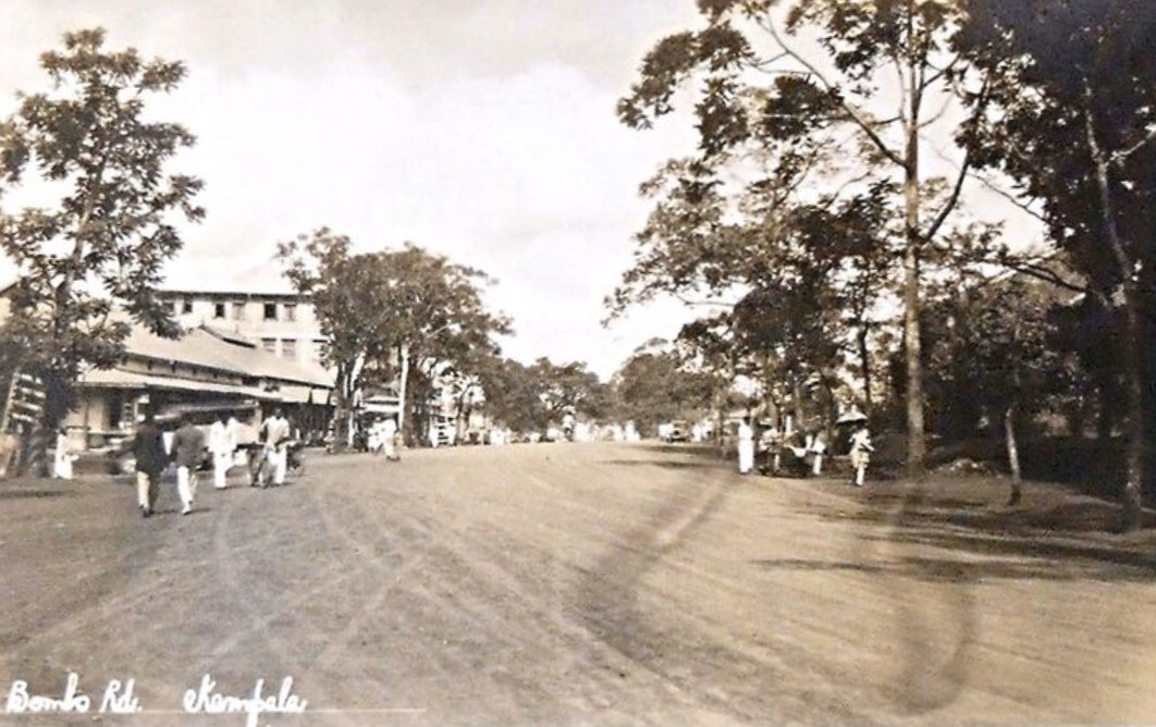 Bombo Road. 1930s/1940s.   Photo: Vintage East Africa, Pinterest. <br>http://pic.twitter.com/oT3UhMQaoy