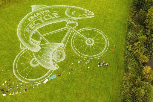 Remember our art instillation for the UCI Cycling #Yorkshire2019 and #WelcometoYorkshire? We thought we'd remember it again on #InternationalBicycleDay as a reminder to reduce, reuse or recycle #fishonabike, already excited for what we will come up with later this year 🐟 🚲
