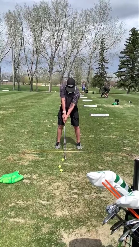 Golf lessons are my favourite thing to do because it's always a learning experience and you get to know your habits #golflessons #nowyourhabits https://t.co/s4x1MGR0IR