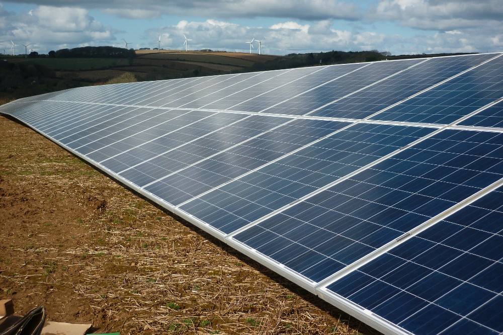 UK's largest solar farm gains government approval, despite local opposition https://bit.ly/3cgMu42 #RenewableEnergy #SolarPower #Sustainabilitypic.twitter.com/99ZeIZzbrY