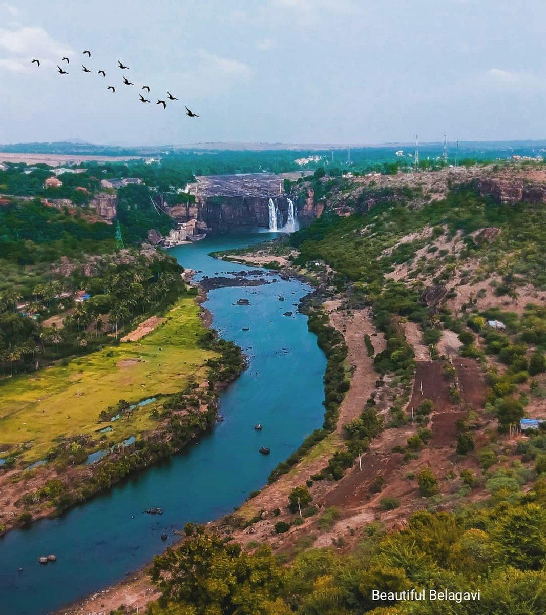 Is this how heaven feels like??? Gokak falls❣️ Pc:Pat's Pratik #beautifulbelagavi #belagavi #karnataka #india #belgaum #nammakarnataka #banglore #mumbai #hubli #pune #kolhapur #smartcity #hubballi #dharwad #goa #banglore #dandeli #karvar #uttarkannada #westernghats https://t.co/QaLDDszj42