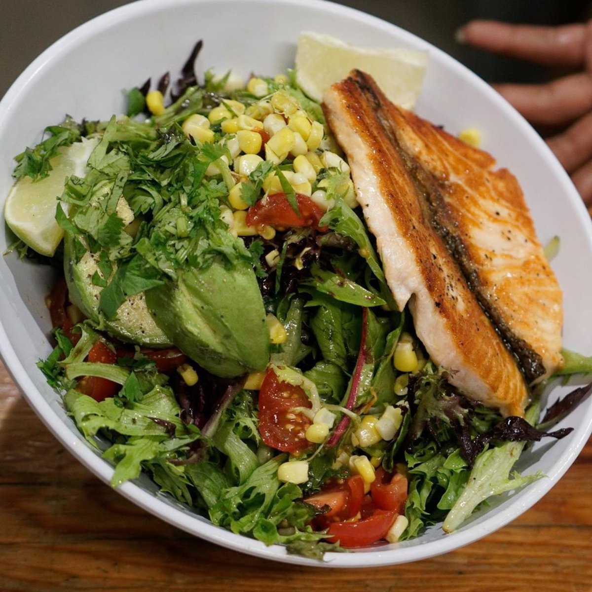 Avocado salad with salmon is a #fanfavorite at @EatFishnet. The colorful veggies and fresh salmon pair perfectly for a healthy and delicious meal that leaves you satisfied every time. Try it for yourself through curbside pickup today!<br>http://pic.twitter.com/ELj8MdcL0r