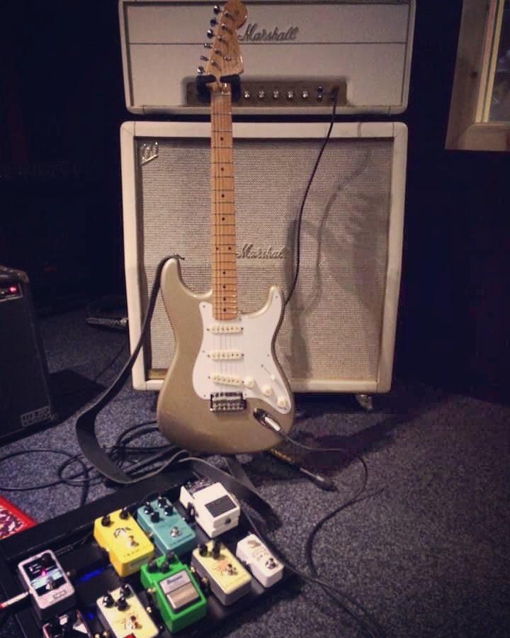 Super sound is here!   #newbands #newmusic #recording #recordingstudio #recordingartist #recordingsession #recordingmusic #recordinglife #recordingguitars #studio  #marshall #1997 #guitaramplifierpic.twitter.com/fswlyq2Usv