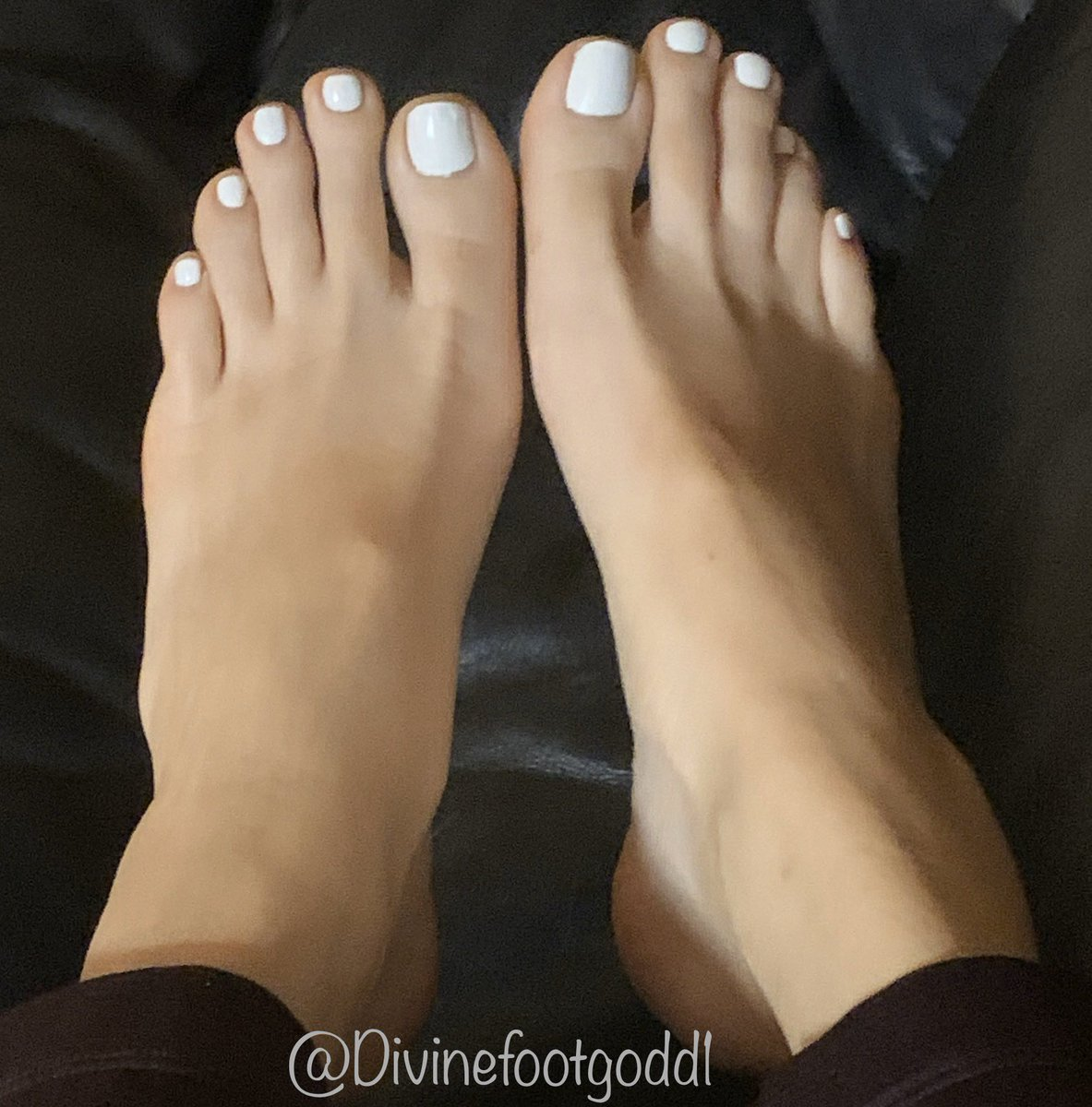 Sexy and erotic nude feet foot toes fetish print