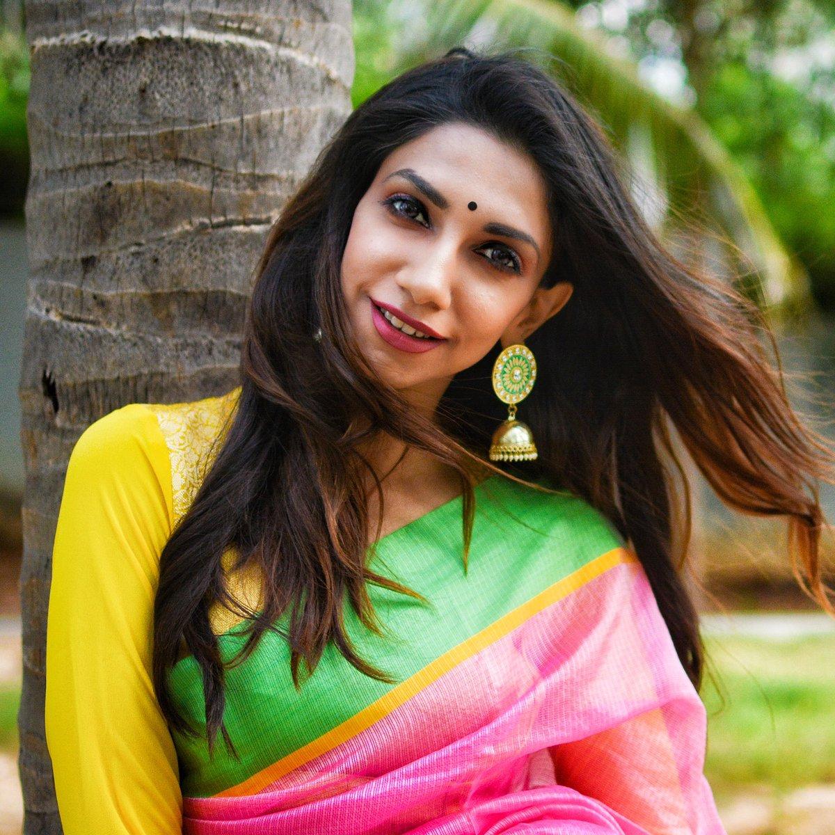 Svelte Diva @Bhavna__B #BhavnaVJ #VJBhavna #VijayTv #StarSportsTamil https://t.co/dFfOopBBjh