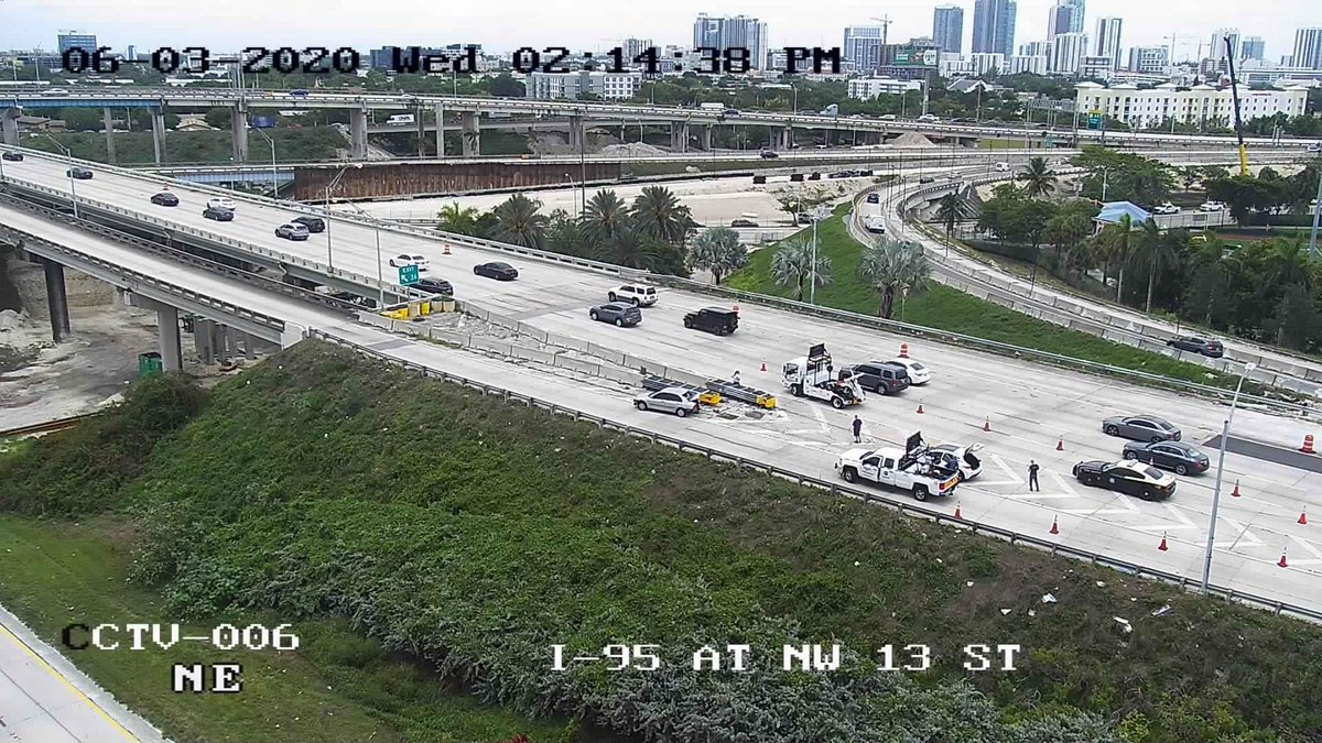More misery heading out of Downtown Miami! NB 95 ramp to WB 836 blocked by emergency vehicles. Plus, all NB 95 traffic still forced to exit onto the 112/195 ramps. Think about Biscayne Blvd. @wsvn @TotalTrafficMIA @MiamiPDpic.twitter.com/HyUtYhg5LL