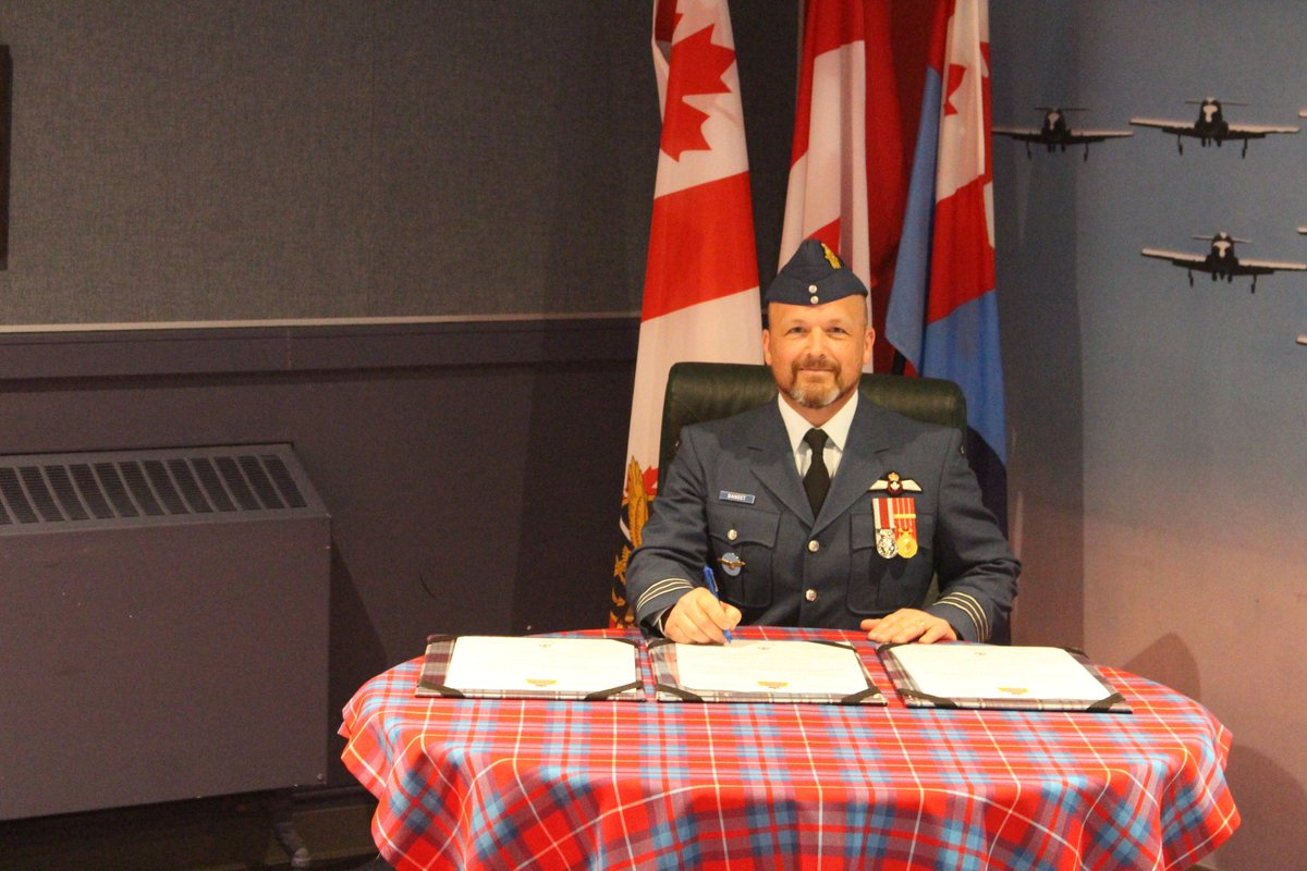 On June 2, 2020 LCol Bandet assumed command of the Sqn from LCol French. The ceremony was presided over by Col Walker, 15 Wing Commander. The closed ceremony, which had been planned for months, differed from previous changes of commands to respect the restrictions for COVID-19.