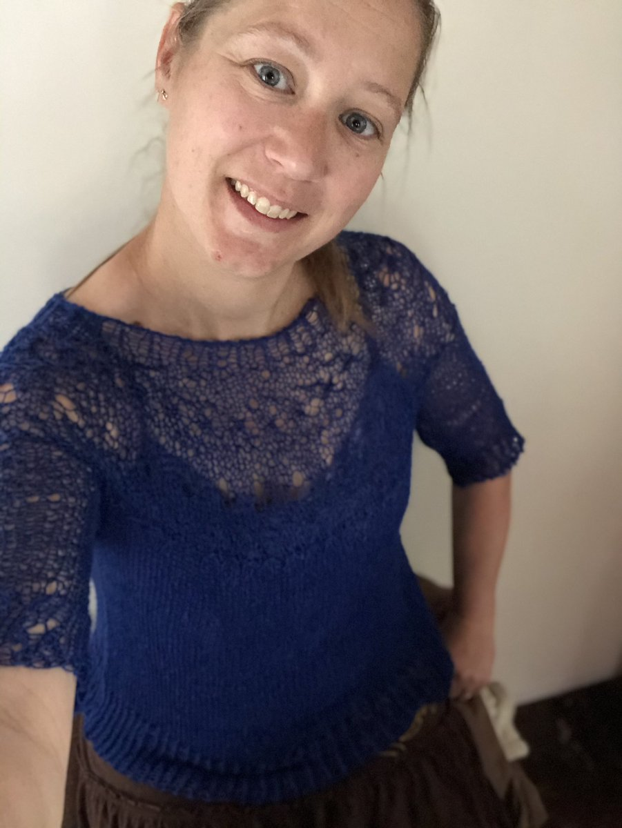 Wearing handmade today! #ranunculus #blue #softpic.twitter.com/SPNM37PKdM