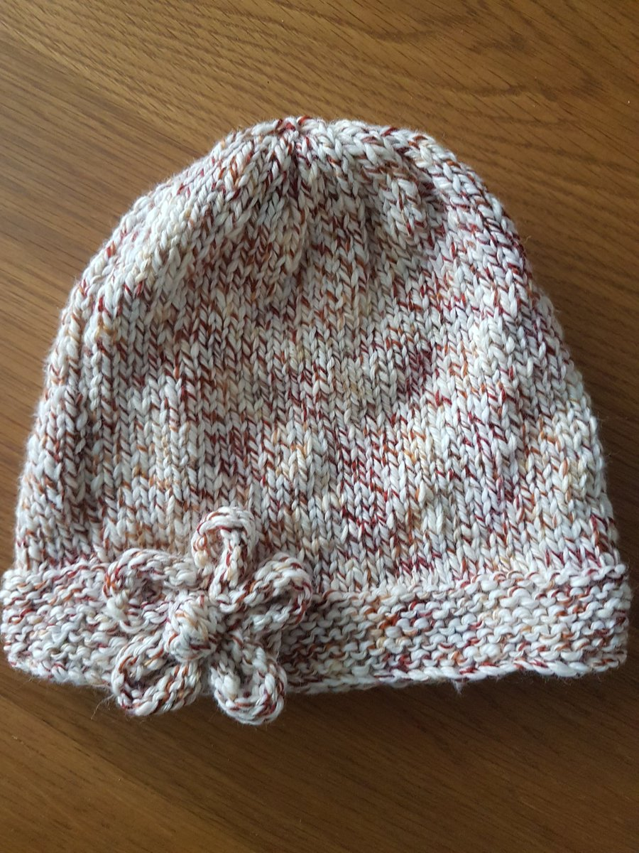 Knitting adult accessories...hat today...going to look for a glove pattern to match! #knitting #handmade pic.twitter.com/l6qBWdtiYU