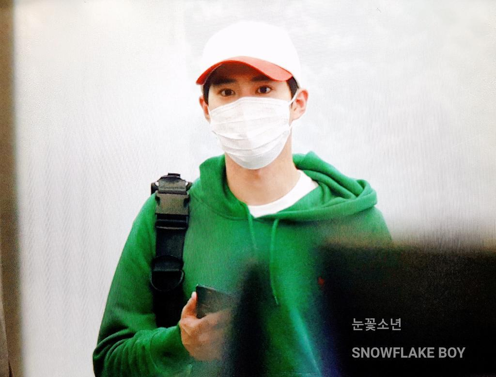 180604 HONG KONG TO GIMPO (Cr. @ 눈꽃소년)  #EXO #수호 #준면 #SUHO #Junmyeon @weareoneEXO https://t.co/pFoqTQwU2W