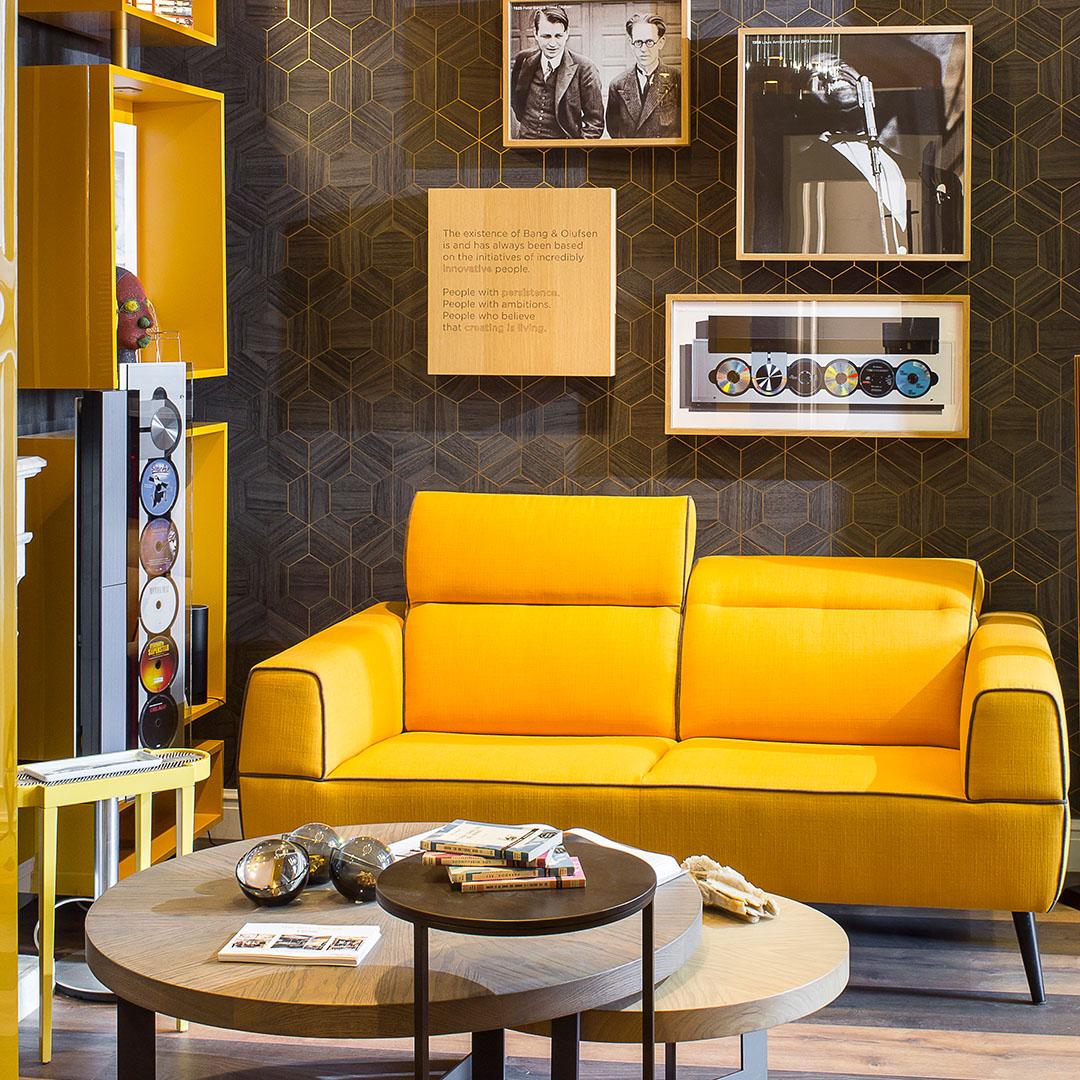 Elegancia intemporal perfeccionada: diseño contemporáneo con actitud art deco. 🇬🇧 Timeless elegance perfected: contemporary design with art deco attitude.  #architecture #interiordesign #interiordesigner #architects #interiorism #decoration #art #design https://t.co/KCUo9o3waa