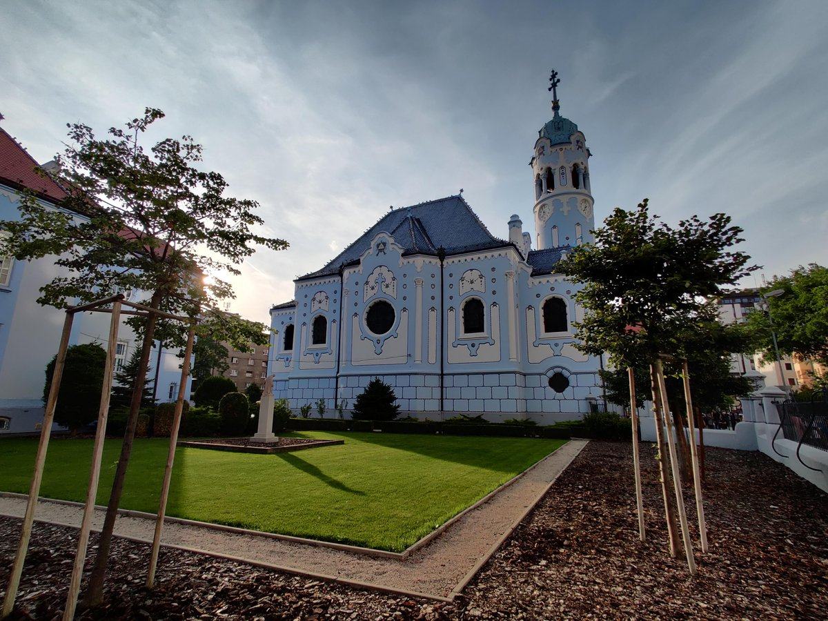 /u/fluffycatbelly1: I miss traveling. A photo of the Blue Church in Bratislava I took last summer. #travel #traveling #travelphotography #travelphoto #photo #exploring #ilovetravel #ilovetotravel #travelbucketlist #travelblogpic.twitter.com/l1FhpDrBrT