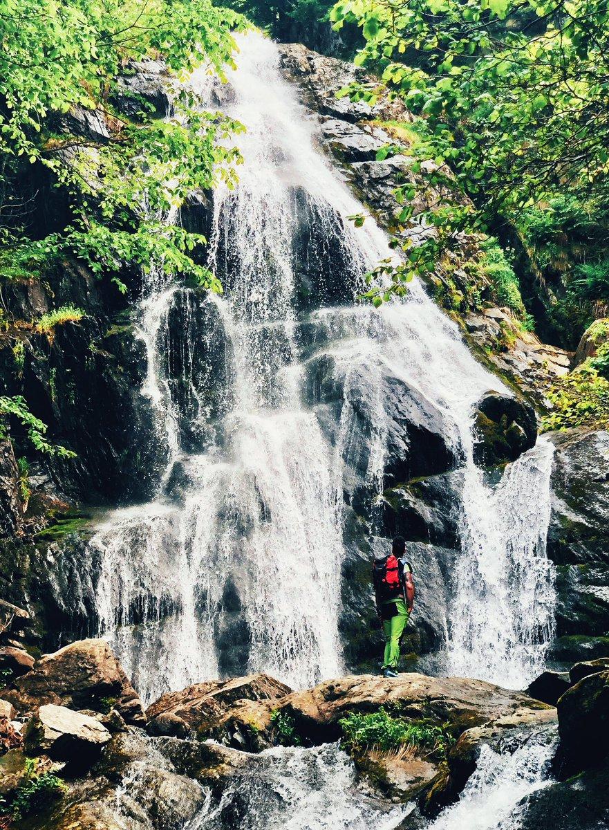 #gopro #goproit #photography  #shotoniphone #picoftheday #mountain #falls #alps #iphonesia #iphone #outdoor #trekking #summer #sun #naturephotographypic.twitter.com/gQa6kmLxQi