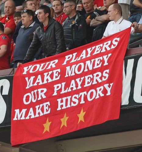 De Gea + AWB + Maguire + Lindelof + Shaw = £930,000 a week Ederson + Walker + Laporte + Stones + Mendy = £490,000 a week yOuR pLaYeRs mAkE mOnEy....