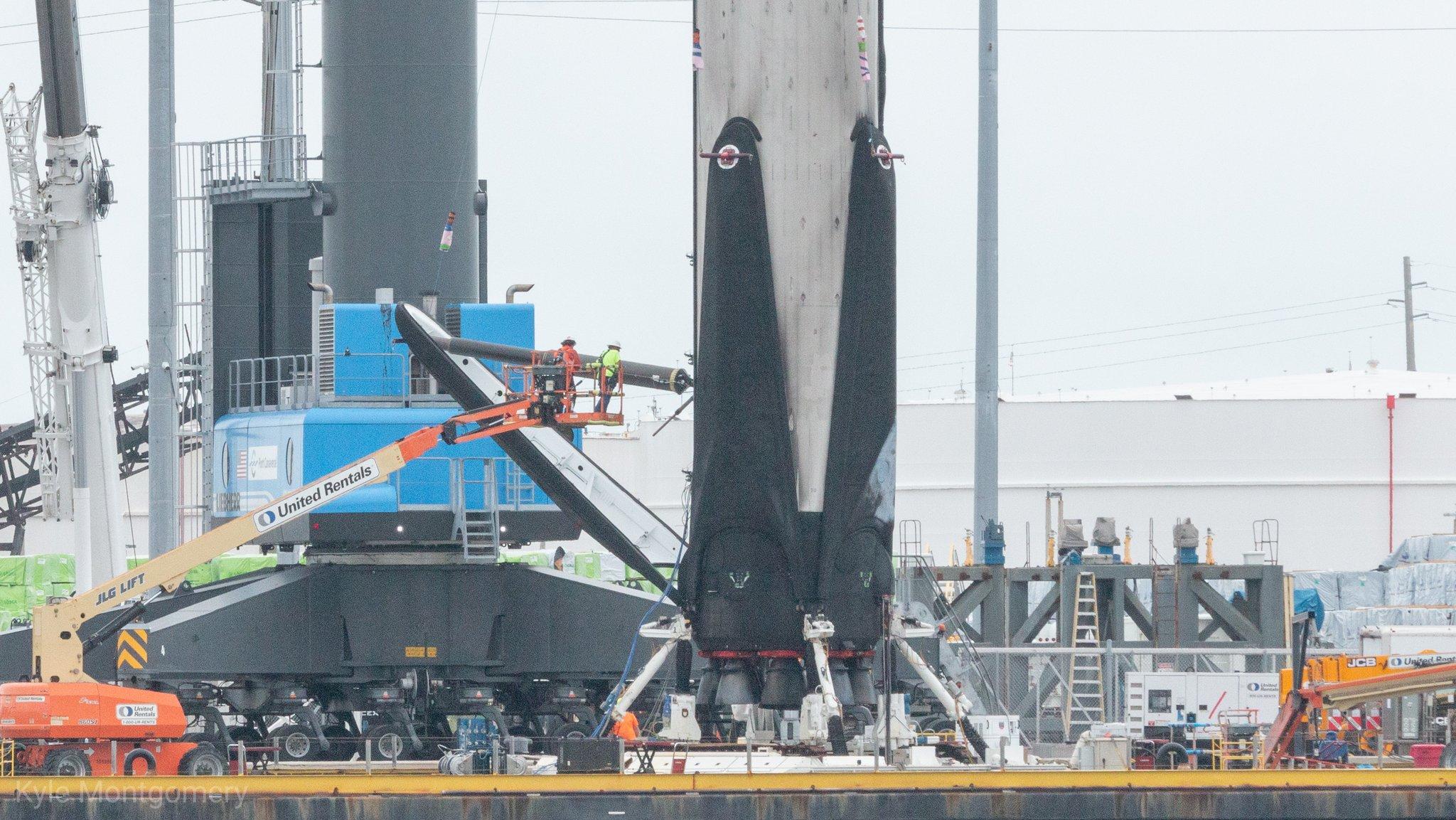 Falcon 9 (Dragon 2 Demo-2) - KSC - 30.5.2020 (2/2) - Page 7 EZmgTFaWoAQ6XAZ?format=jpg&name=large