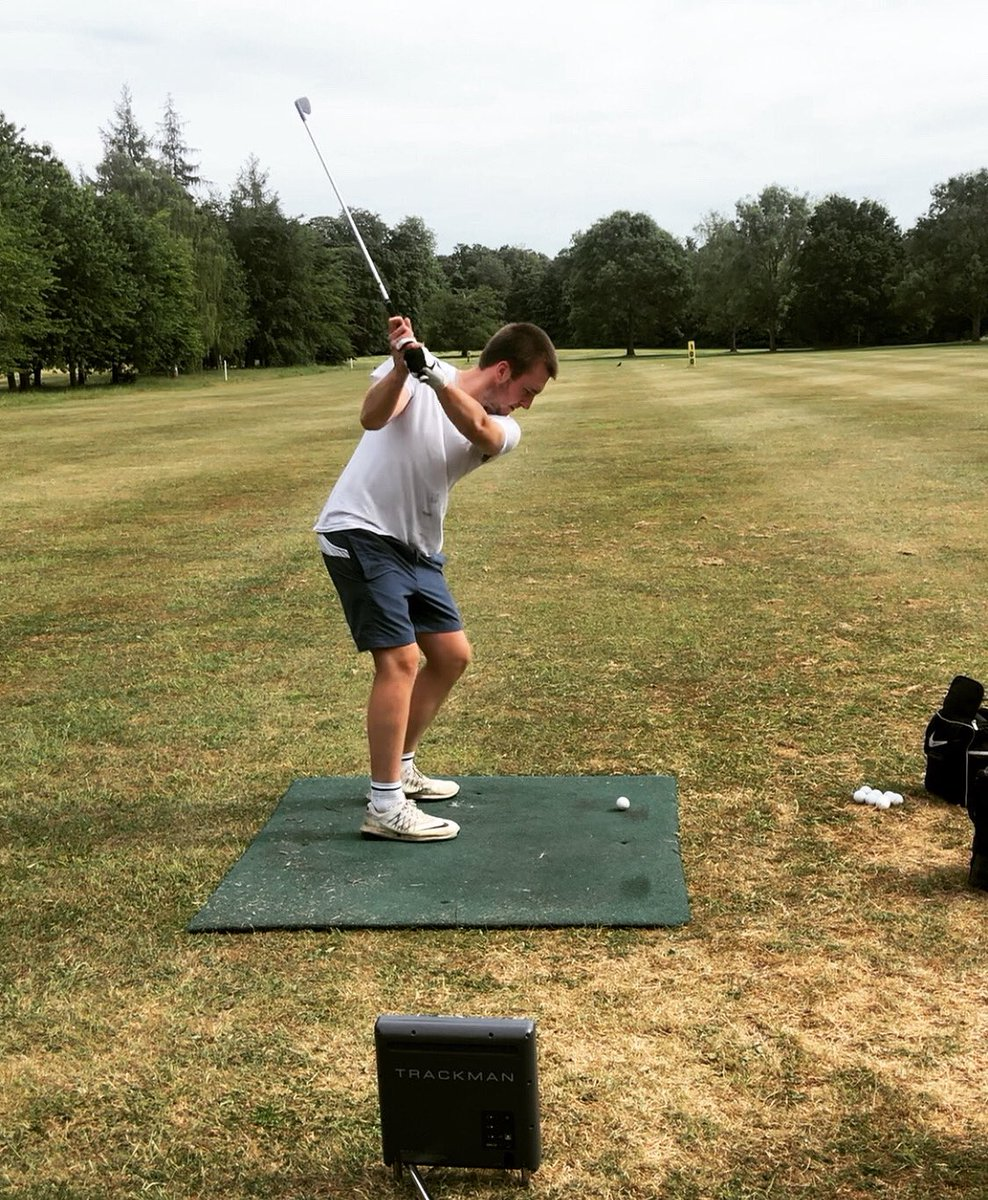 This boy can play....needs a trim though 😬😝 @frickergeorge15  👌👌👌   #golf #golflessons #suffolk https://t.co/vnUvXpVhMX