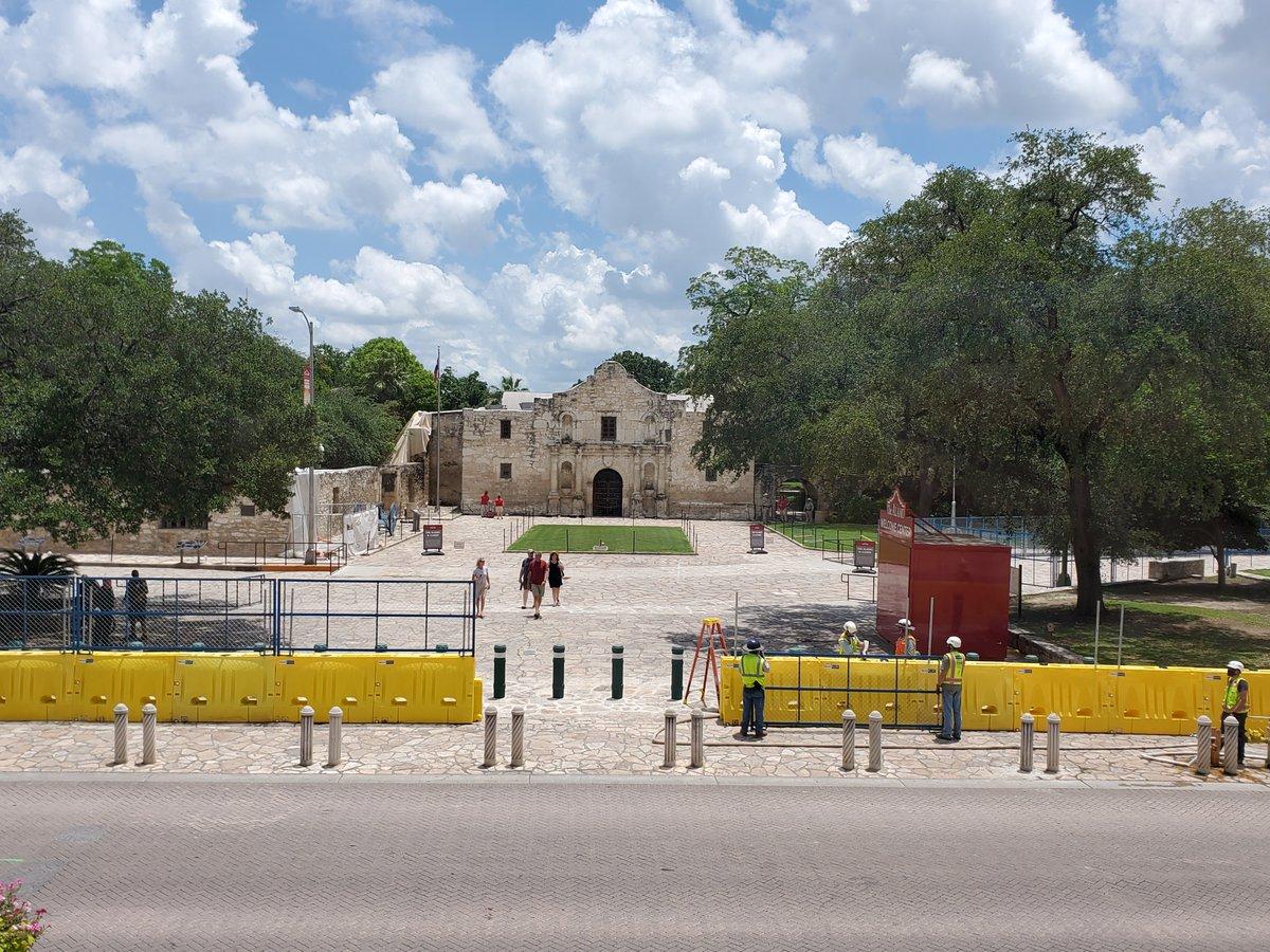 The Alamo (@OfficialAlamo) on Twitter photo 03/06/2020 18:04:57