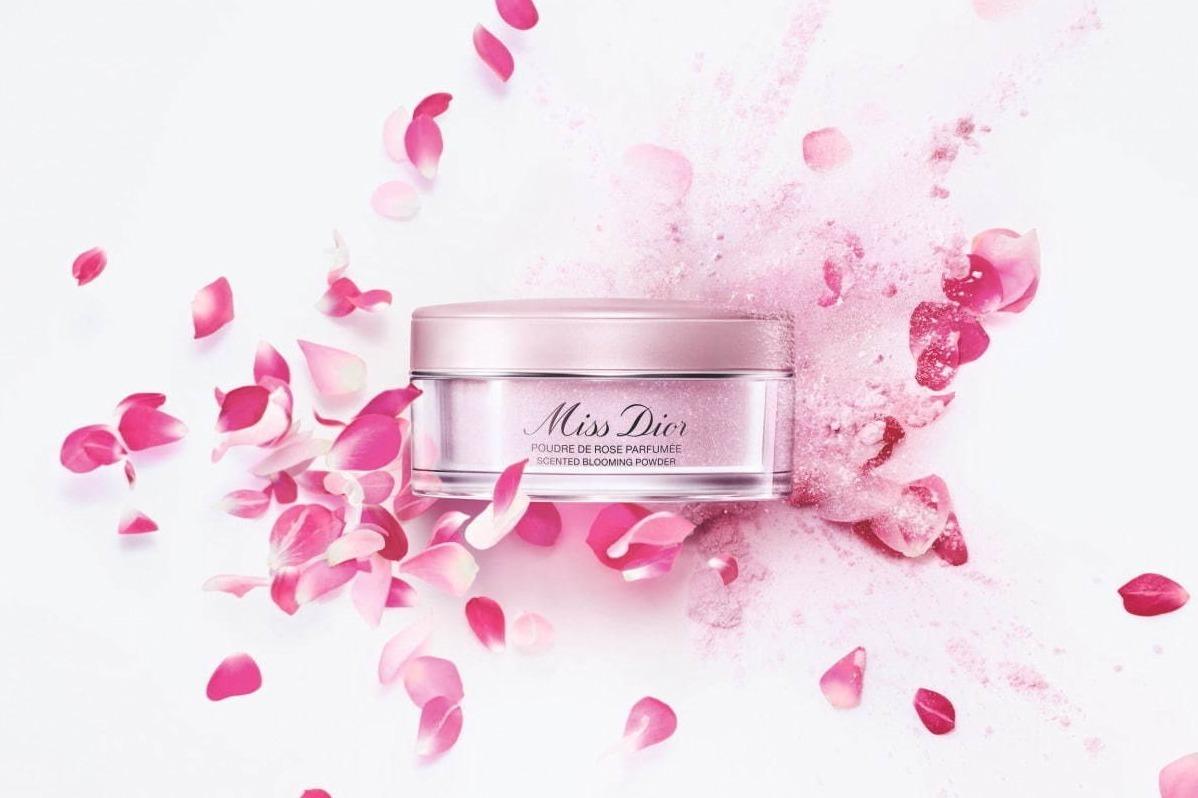 [明日発売] ディオール人気NO.1香水「ミス ディオール」のボディパウダー、ふんわりローズ香るさらさらパウダー -