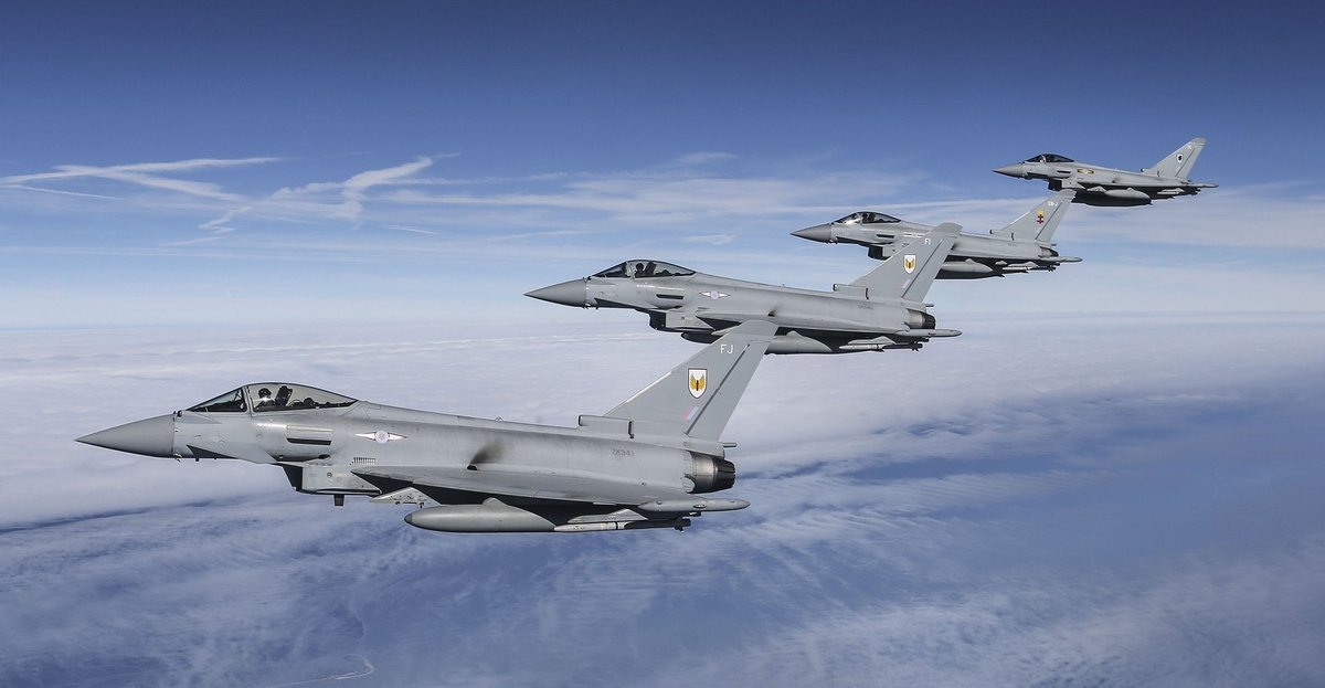• اليوم تم اختبار رادار AESA الجديد E-SCAN على مقاتلات Typhoon • والتي ستتزود به المقاتلات التي تعاقدت عليها الكويت 🇰🇼 • هذا الرادار متميز وبمدى اكبر 50٪ عن السابق و الأنماط القتالية به تشمل SST-TWS-RWS-HOJ-SAR عدى عن أنماط القتال التلاحمي • السعودية 🇸🇦 مشاركه في تصنيعه