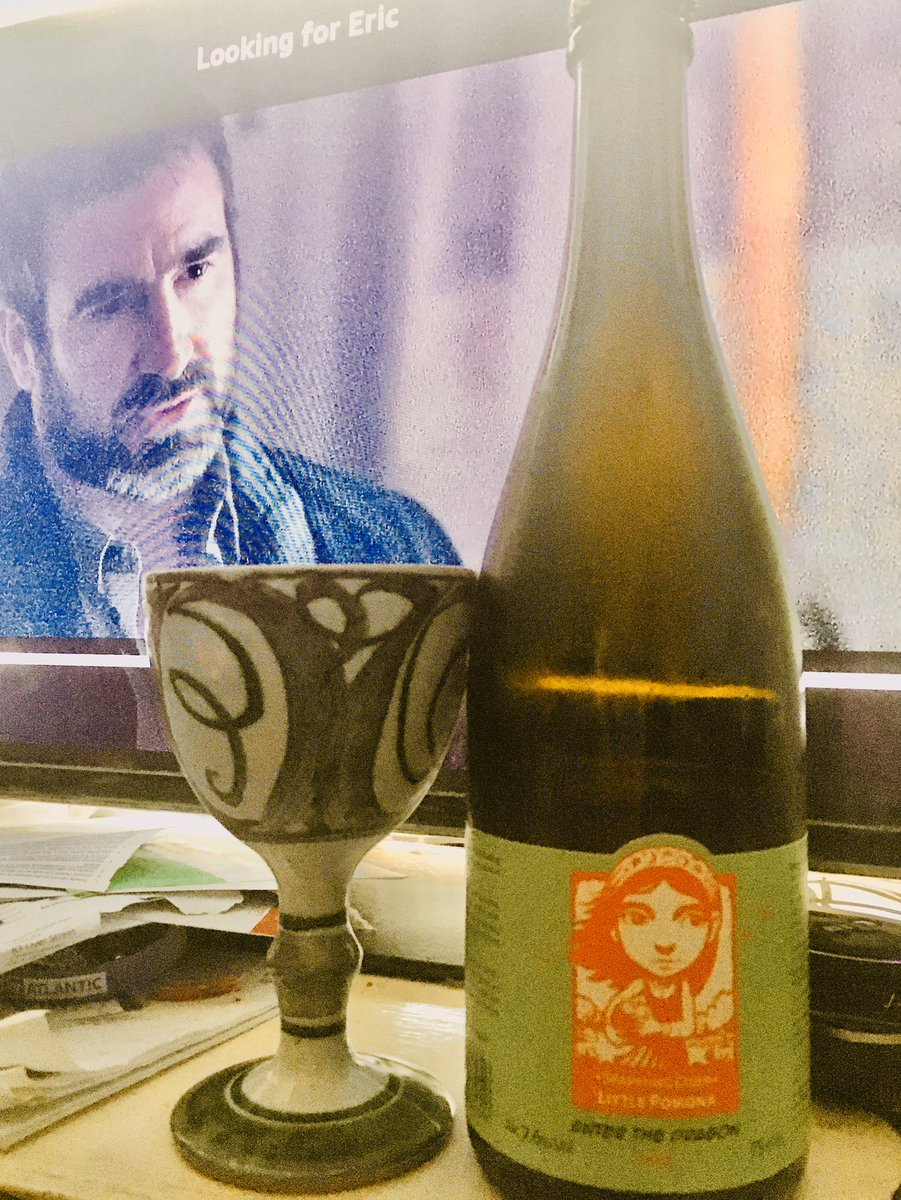 Multitasking! Watching 👀 @KenLoachSixteen's #LookingForEric 🎞 in preparation for next week's @RiversideLondon #filmclub, while quaffing the gorgeous #EnterTheDragon #cider 🍷from @LittlePomona on #WorldCiderDay 🍏  #perfect 👌🏽 https://t.co/WLa6LwZNzE
