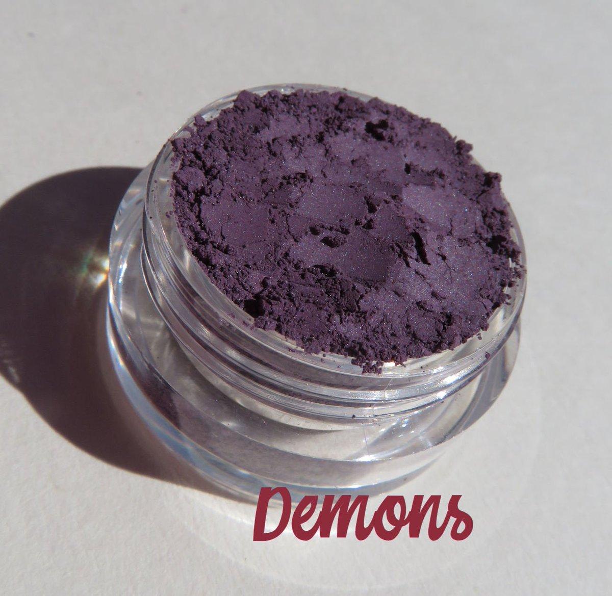 DEMONS -Matte Dark Plum Blue Purple Mineral Eyeshadow | Loose Pigments | Cruelty-Free | Vegan Mineral Eye Shadow #overallbeautyminerals #veganmakeup #mineraleyeshadow #demonsmineraleyeshadow #darkplumpurpleloosepigments #crueltyfree #shopsmallbusiness  https://etsy.me/2MuFciEpic.twitter.com/vly2hqouF4