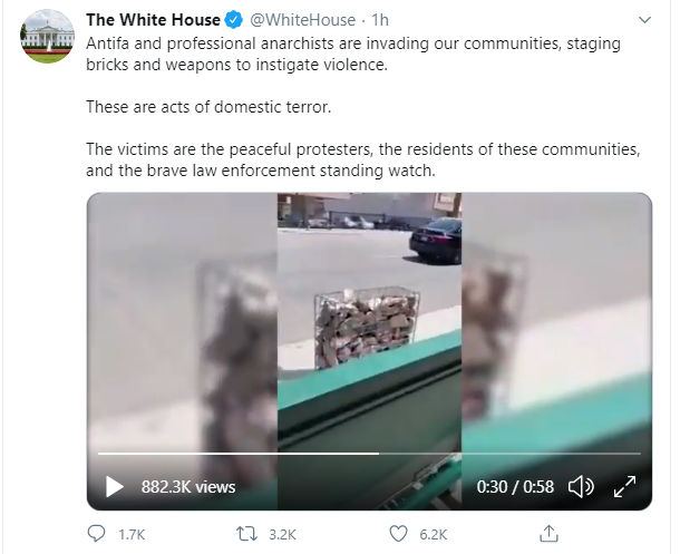 "The White House is falsely claiming that the anti-ramming security barriers outside the  Chabad Jewish community centre in Sherman Oaks are actually weapons placed by ""Antifa and professional anarchists"". https://t.co/y6J7Ta0jYI"