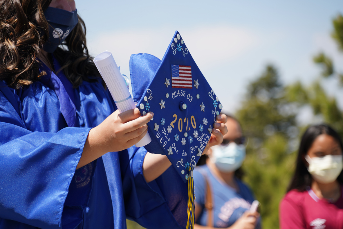 Congratulations graduating Seniors of 2020. More than 500 students from the Snowline School District road the lifts to today's ceremony at the top of the East Resort. #mthigh #congratulations #seniors #graduation #2020 #snowline #serrano https://t.co/8aYptyndnM