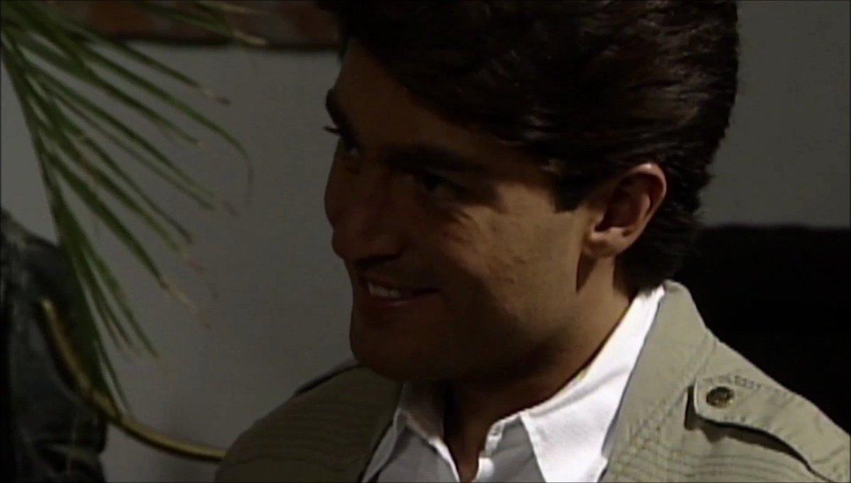#laestrella #FernandoColunga como José Armando Peñarreal 😘 #Esmeralda #tlnovelastv de La a V #superstar #CanaDoradaFestival #Malverdelaserie #superman #Colungateam https://t.co/hE4Oq7TqXW