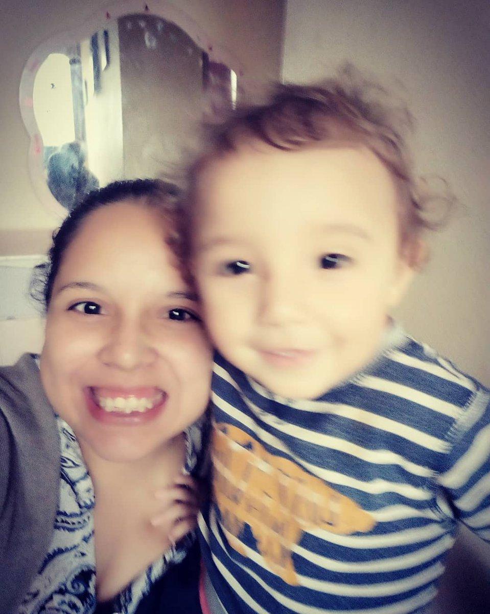 Llegar a casa exhausta y recibir el abrazo de mi bebé es todo, me da fuerzas para salir adelante... 💕💕💕💕 #MomAndSon #LittleBoy 💕💕💕💕