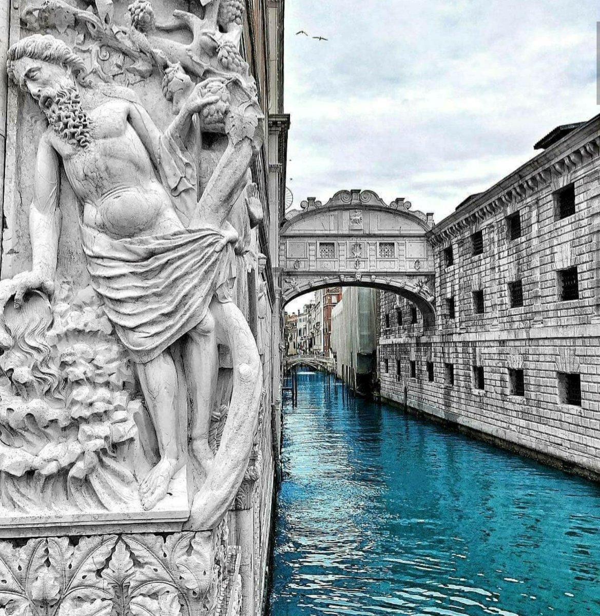 Italy #italy #venice @PicPublicpic.twitter.com/4lD14OUnD3