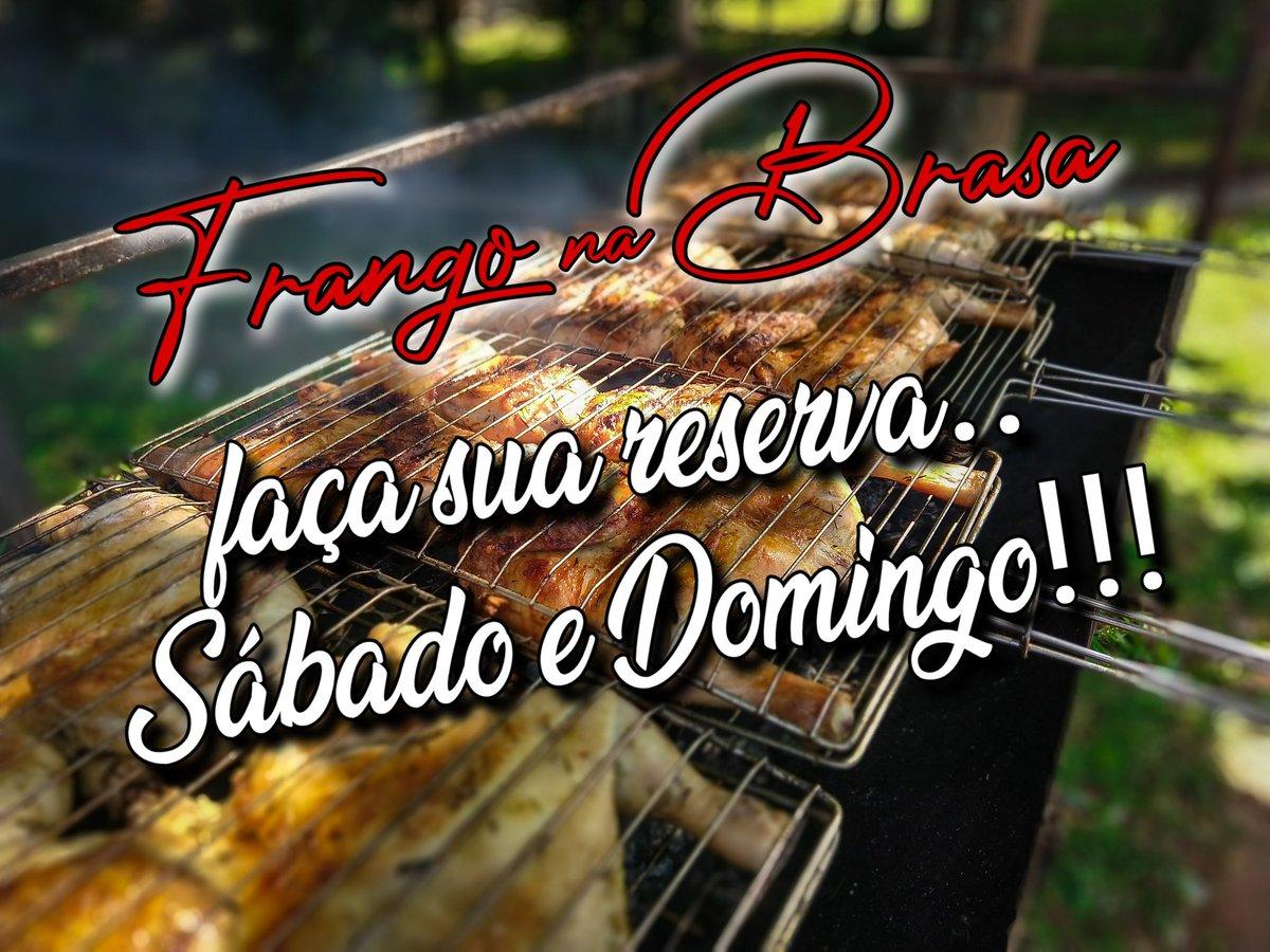 FAÇA SUA RESERVA!!!📲📞 😁 ao lado da parada de ÔNIBUS. . (61) 99614-9337 🧔🏽 👉🏾 Jhonatan (61) 99351-3408 👩🏽 👉🏾 Milma  Ligue e garanta o seu almoço!!!  FRANGO + FAROFA 🐔🔥🍗 #bomgosto #frangonabrasa #frangoassado  #almoço #sabado #domingo #delicia  #sobradinhodf #Maesdesobradinho