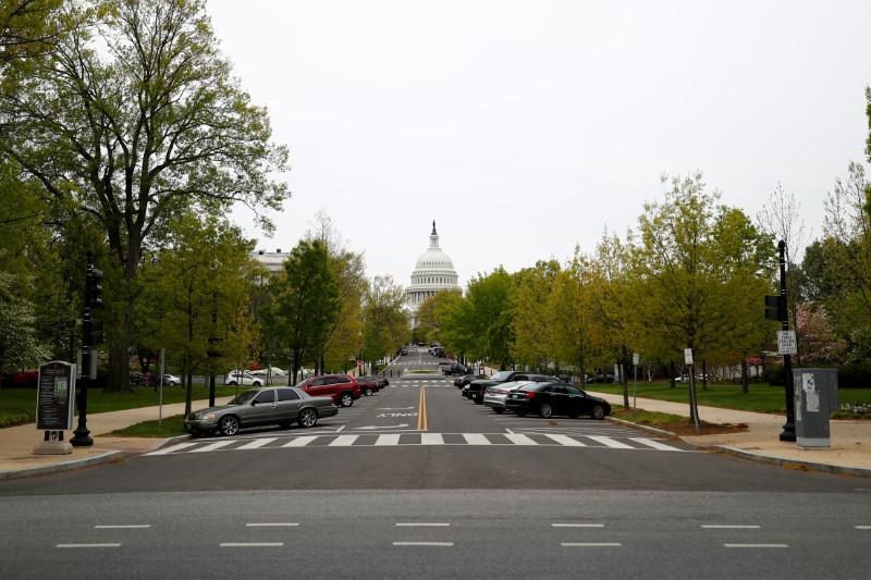 Senate passes bill lengthening coronavirus small-business loan terms https://t.co/mXU78LhwhM https://t.co/xNmdNEQCDM