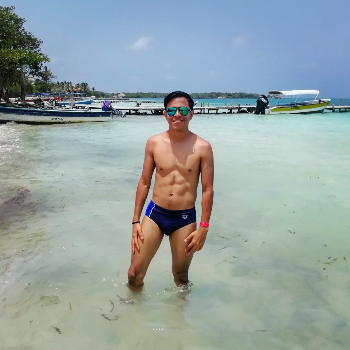 LIKE AND RETWEET #boy #young #gay #gaypride #gayman #gayboy #gayhot #photooftheday  #beautiful #cute #picoftheday #art  #photography  #photo #beauty #pretty  #cool #TFlers #picture #Pride2020 #sexy