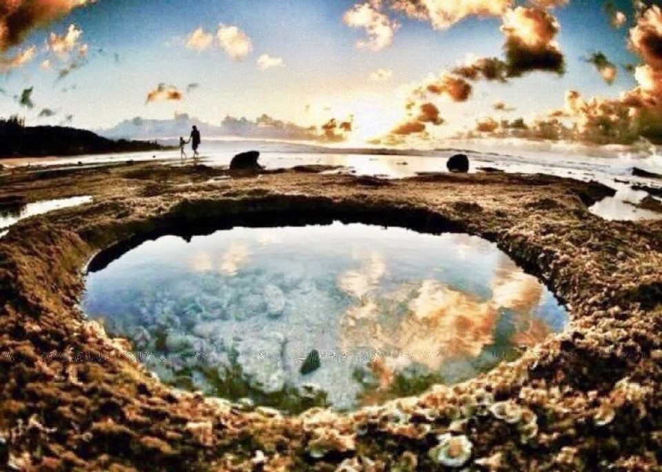 ❦In the stilled pools of the mind we may glimpse something greater than our own reflection. ~Anne Scottlin #reflection #beyond #pools #tide  #Photography #DuneNewhousepic.twitter.com/dUZpfs1ri0
