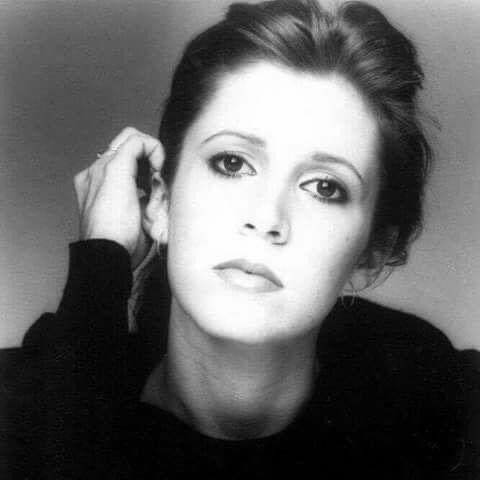 """The parrots are great. They do something I refer to as 'the Phone Call from Venus.' They repeat all my phone conversations. It can very annoying - like having a lot of children in the house screaming."" - #CarrieFisher  #RepeatDay https://t.co/oCN2O9dmWW"